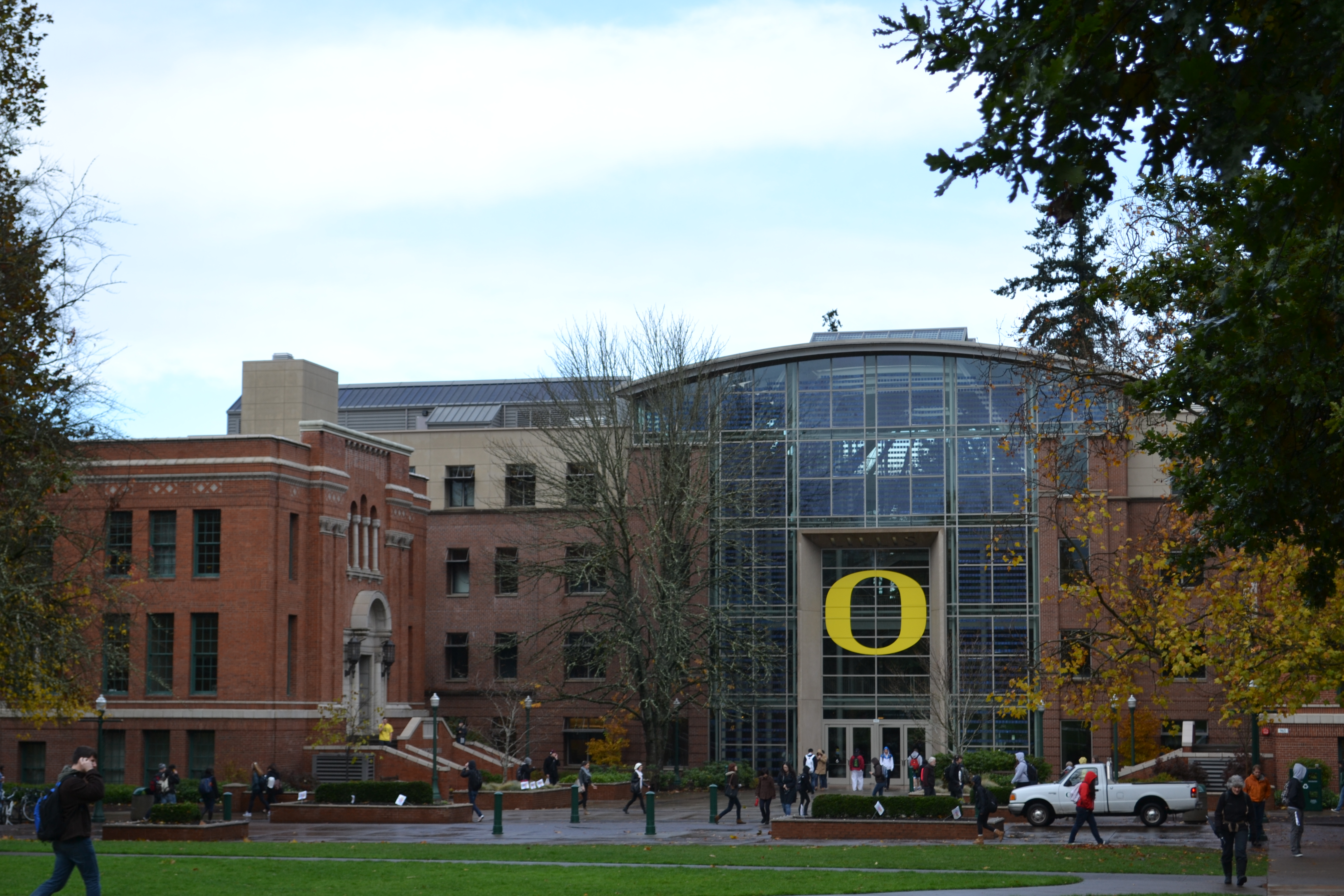 Lillis_Complex_(University_of_Oregon)
