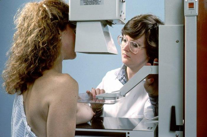 Tech-Rachael-Rapraeger-faked-over-1200-mammogram-results-let-two-die-of-cancer-gets-6-months