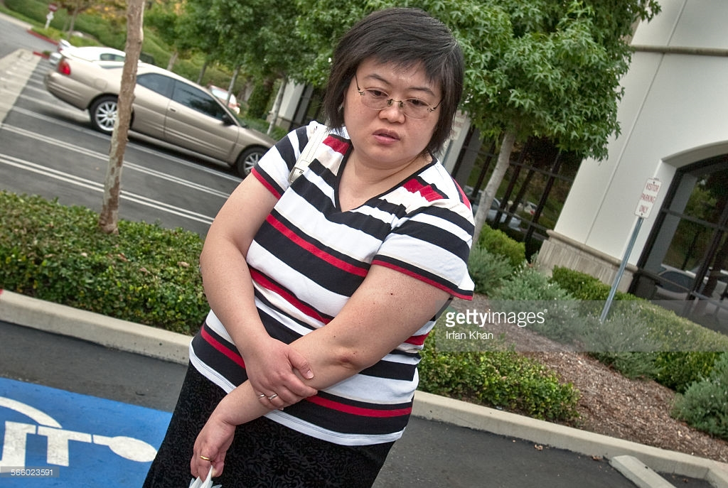 Khan, Irfan –– B58667645Z.1 SAN DIMAS, CA. August 24, 2010 ––– Lisa Tseng, 40, a general osteopath whose full name is Hsiu–Ying Lisa Tseng, was not charged with any crime and retained her license to practice medicine. But the search warrant affidavit made it clear that she is under investigation for allegedly prescribing oxycodone and other powerful narcotics without properly assessing her patients' needs or apparent addictions. She has been under investigation by the U.S. Drug Enforcement Administration since 2007, according to the affidavit.(Irfan Khan/Los Angeles Times)